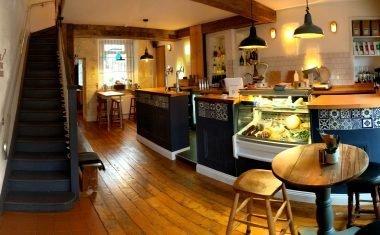 Nomad Bar & Kitchen