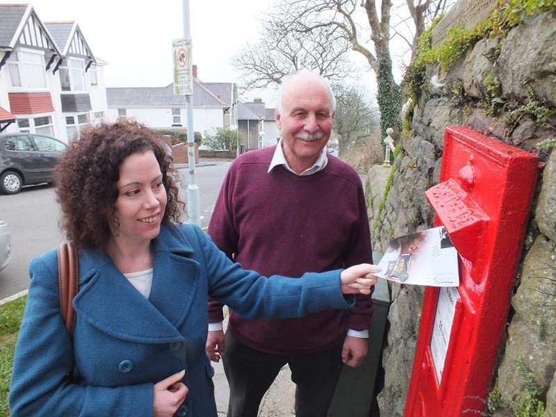 Dylan Thomas' granddaughter Hannah Ellis posts the Dylan Thomas stamp First Day Cover
